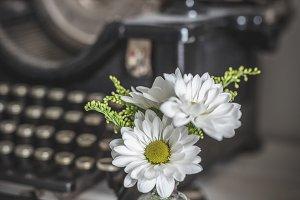 Vintage Typewriter and Daisies