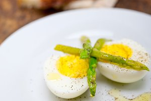 asparagus and eggs 001.jpg
