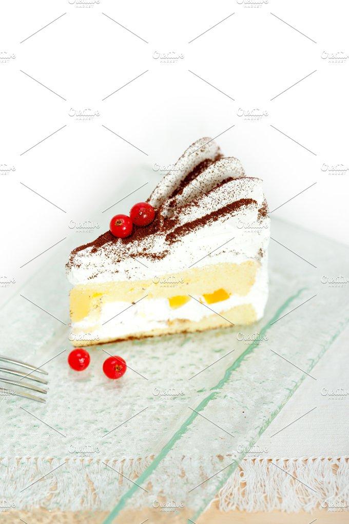 whipped cream cake 015.jpg - Food & Drink