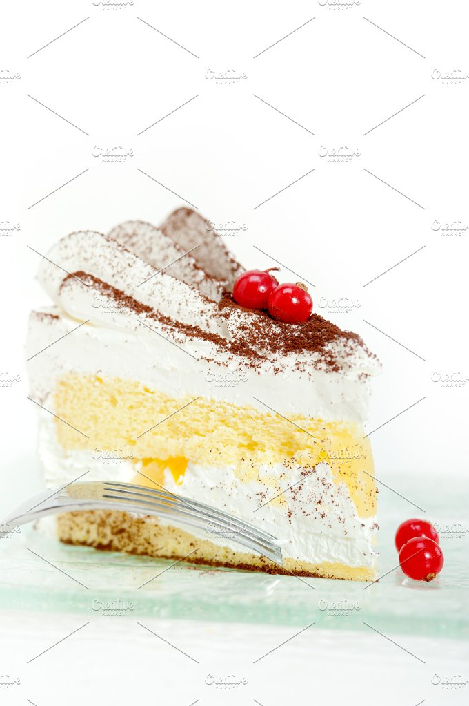 whipped cream cake 026.jpg - Food & Drink