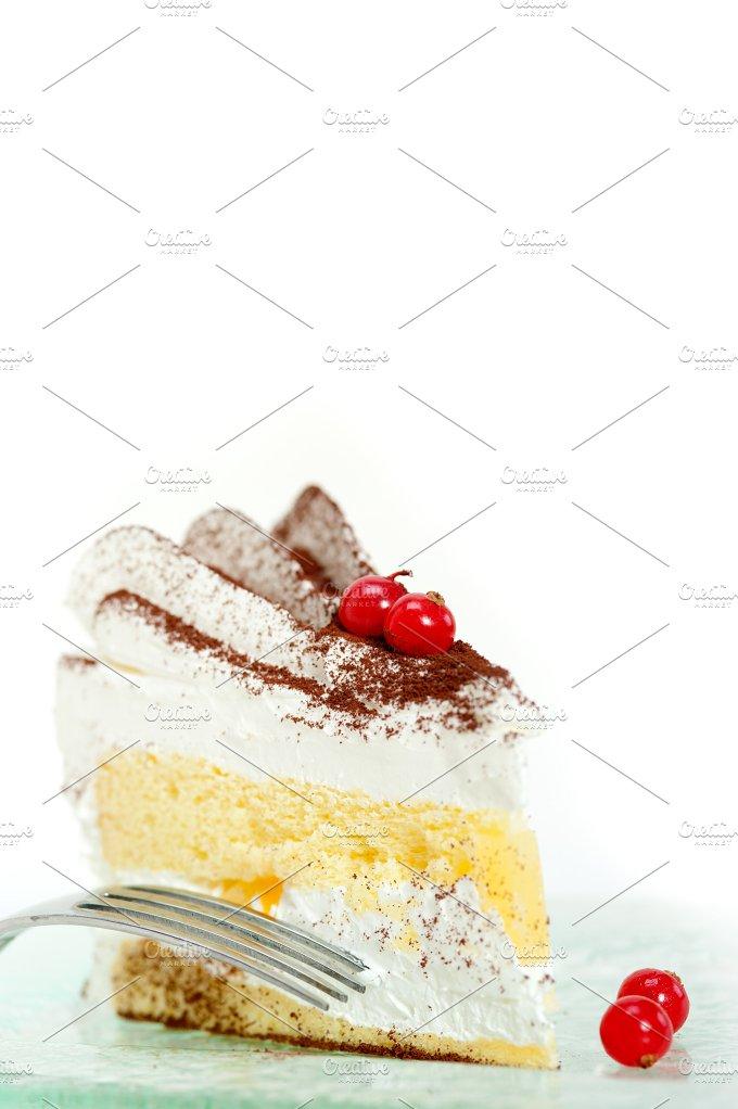 whipped cream cake 030.jpg - Food & Drink