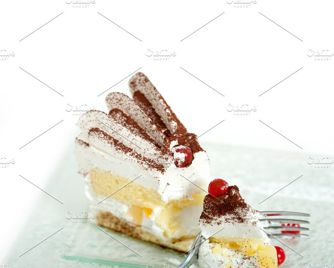 whipped cream cake 033.jpg - Food & Drink