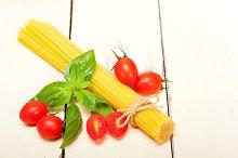 tomato basil spaghetti pasta 002.jpg