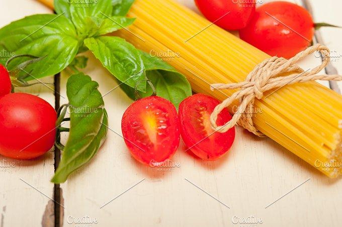 tomato basil spaghetti pasta 003.jpg - Food & Drink