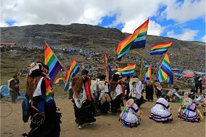 Parade at Quyllurit'i inca festival