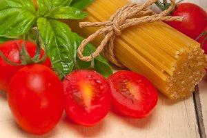 tomato basil spaghetti pasta 011.jpg