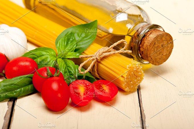 tomato basil spaghetti pasta 012.jpg - Food & Drink