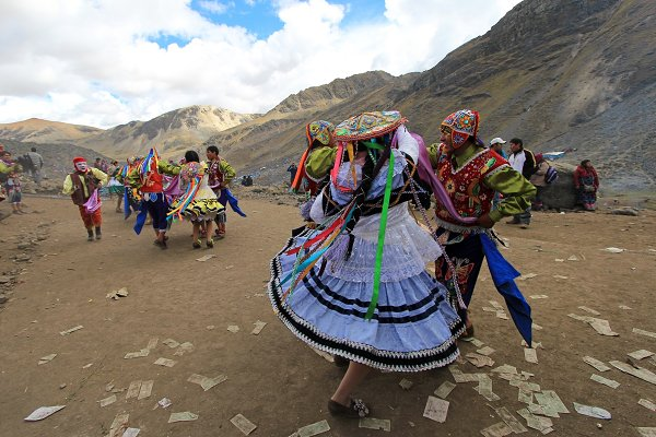Holiday Stock Photos: reisegraf.ch - Dancers at Quyllurit'i inca festival