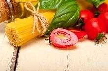 tomato basil spaghetti pasta 027.jpg