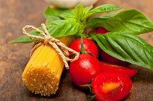 tomato basil spaghetti pasta 031.jpg