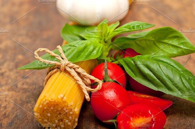tomato basil spaghetti pasta 032.jpg - Food & Drink