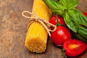 tomato basil spaghetti pasta 037.jpg