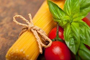 tomato basil spaghetti pasta 041.jpg