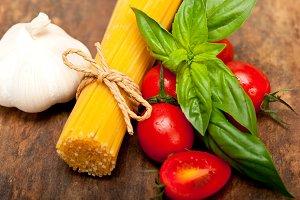 tomato basil spaghetti pasta 045.jpg