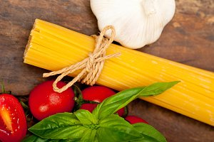 tomato basil spaghetti pasta 049.jpg