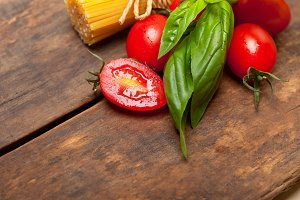 tomato basil spaghetti pasta 051.jpg