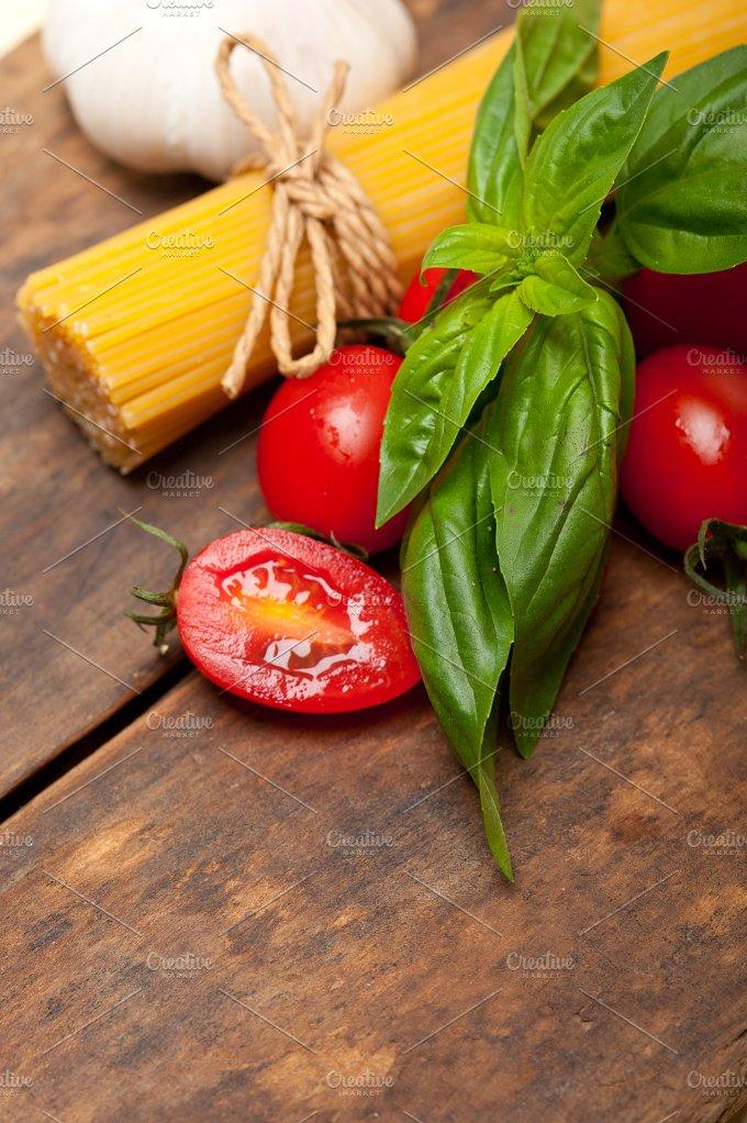 tomato basil spaghetti pasta 052.jpg - Food & Drink
