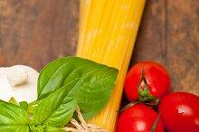 tomato basil spaghetti pasta 054.jpg