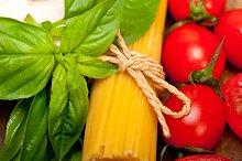 tomato basil spaghetti pasta 055.jpg