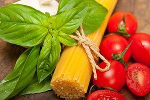 tomato basil spaghetti pasta 056.jpg