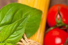 tomato basil spaghetti pasta 063.jpg