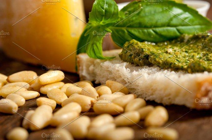 pesto 066.jpg - Food & Drink