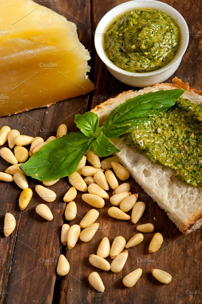 pesto 068.jpg - Food & Drink