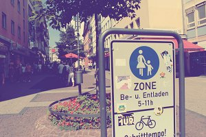 Fussgaenger Zone Frankfurt Germany