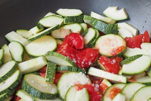 Courgettes with tomato