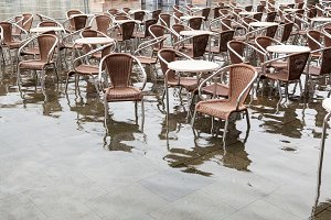 High water in Saint Mark's square, V