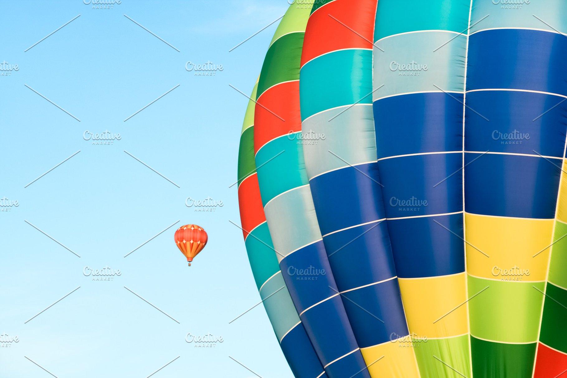 Big and small hot air balloons | High