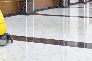 Cleaning machine on luxury floor