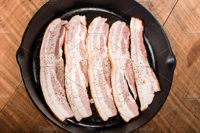 how to cook bacon in cast iron