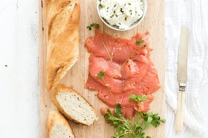 Salmon, ricotta, baguette & parsley