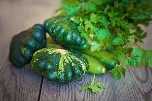 Organic yang pattypan squashon