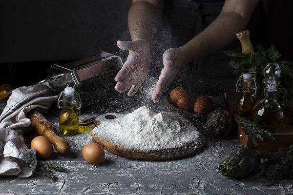 Food Images: Marina_Pronina - women's hands making pasta