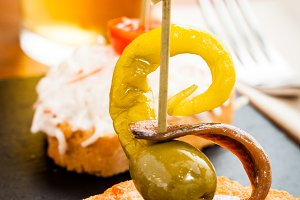 Gilda, typical spanish pintxo