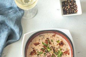 Bowl of clam chowder