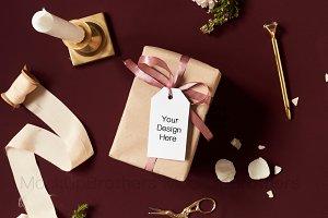 Gift Tag mockup with kraft paper box