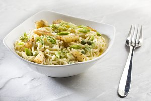 Spicy Noodles with Potato Chilly