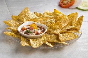 nachos chips with salsa