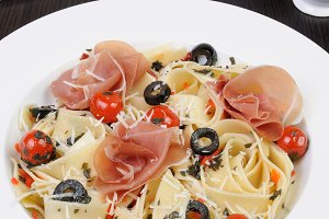 Spaghetti with jamon