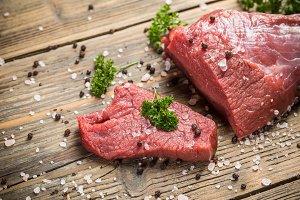 Crude beef slice
