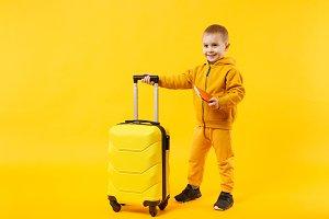 Little traveler tourist kid boy 3-4