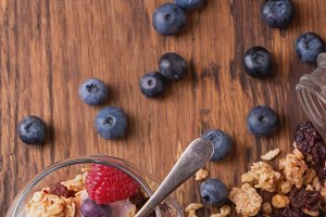 Granola with berries and yogurt
