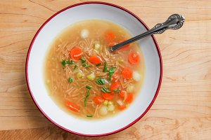 Vegetable soup with noodles