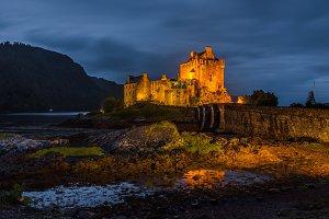 Eilean Donan castle in the night