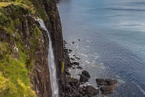 Kilt Rock waterfall in Skye