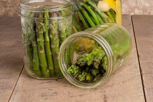Canning asparagus in jars
