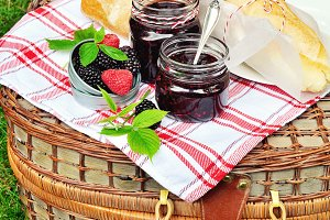 Bread and blackberry jam for picnic